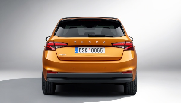 Fourth Generation Skoda Fabia Unveiled; Receives New Styling And Features