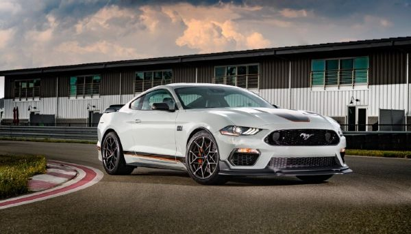2023-ford-mustang-design