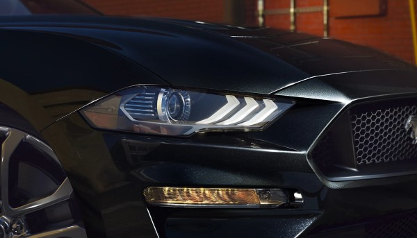 2023-ford-mustang-headlights