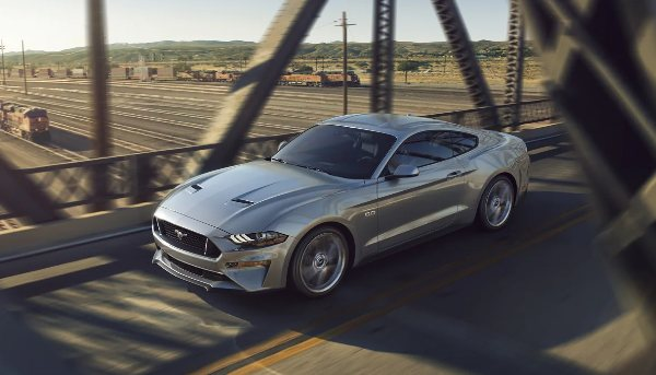 2023-ford-mustang-performance